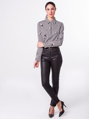 Calça Jeans Resinada