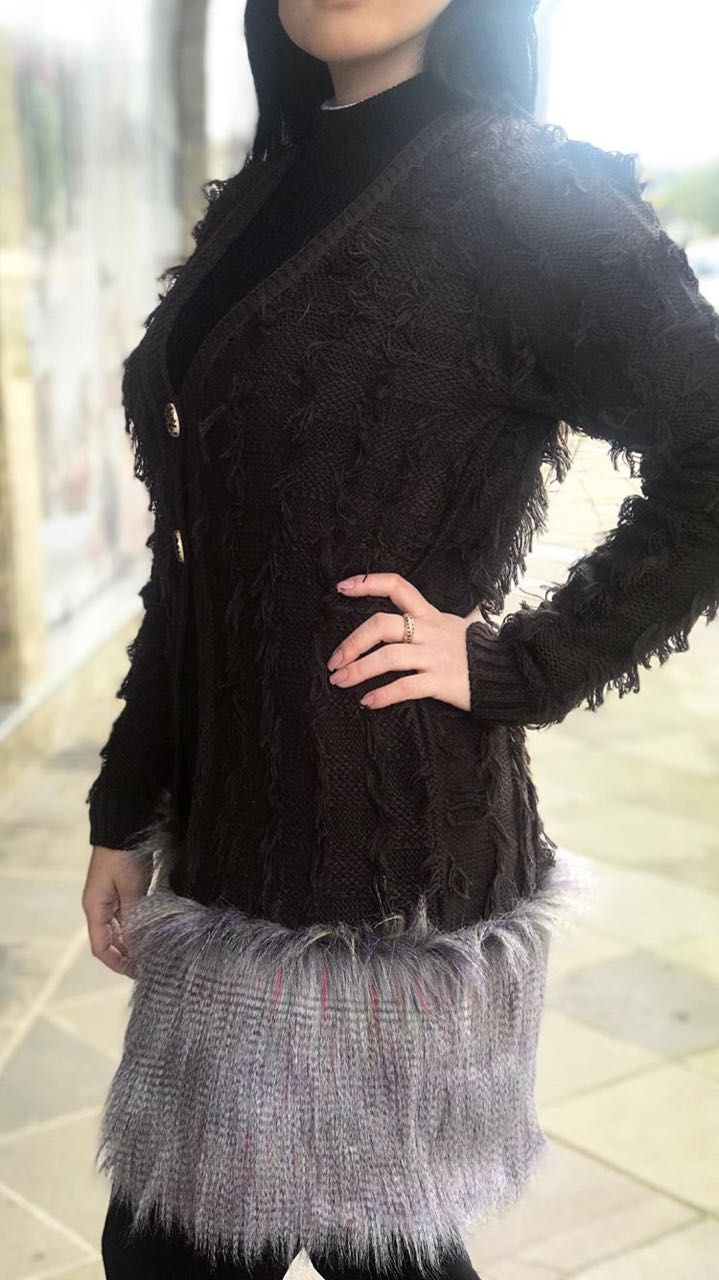 casaco-franjado-c-pele-fake-barrado-019if17
